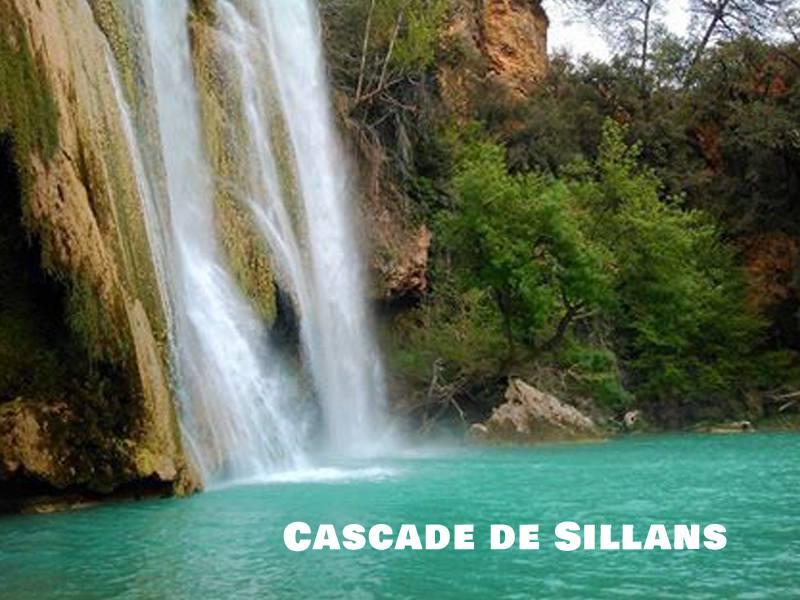 Vue sur la cascade de Sillans en colonie de vacances d'été