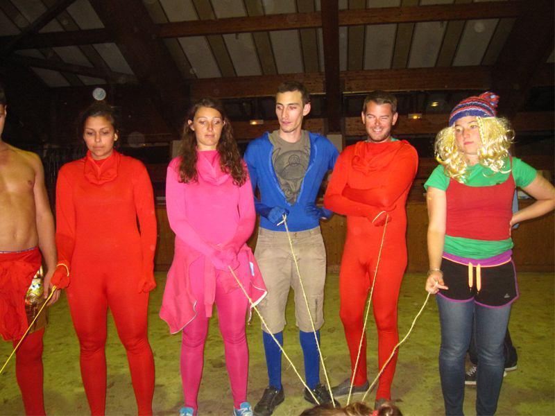 Groupe de jeunes déguisés