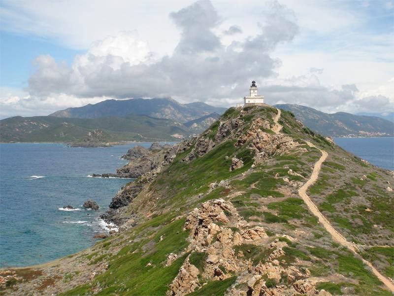 paysage de colonie de vacances en Corse cet été