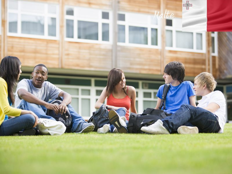 adolescents apprenant l'anglais en séjour linguistique cet été