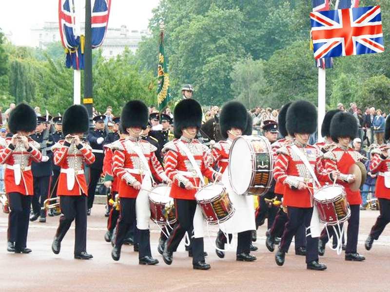 La relève de la garde de Buckingham Palace à Londres en Angleterre