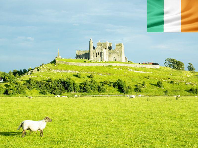 Paysage typique de l'Irlande en colonie de vacances cet été pour adolescents