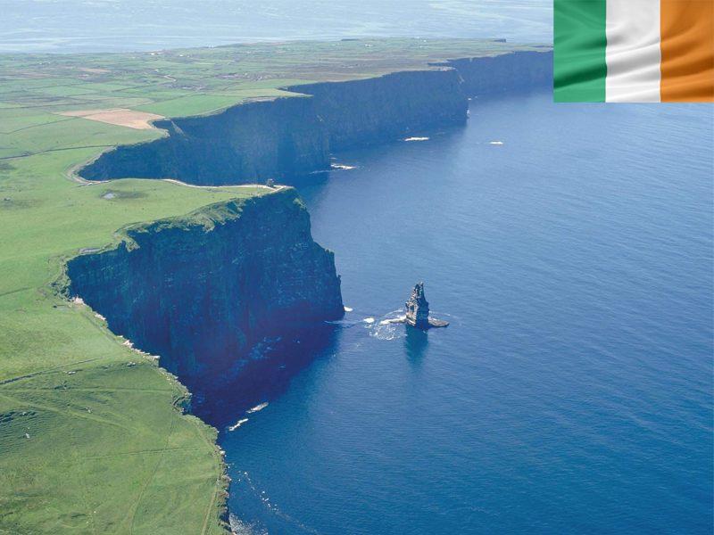 Falaises et paysage d'Irlande cet été en colonie de vacances en Irlande pour ado
