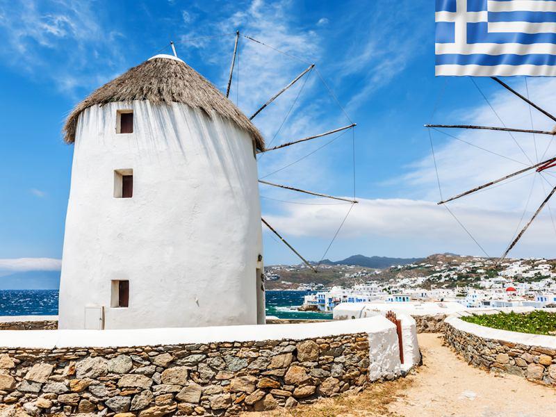 Paysage de Grèce et moulin de Grèce en colonie de vacances pour adolescents cet été