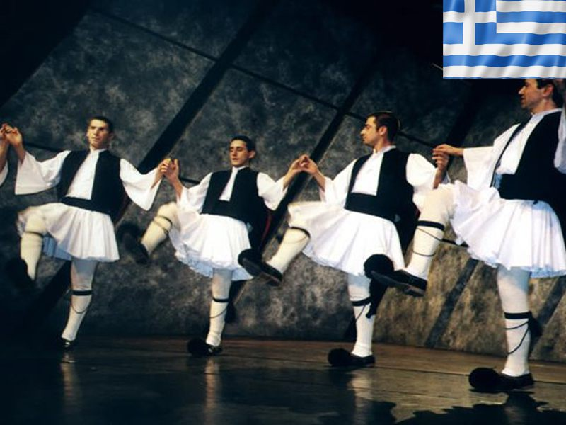 Danse folklorique Grèce en colonie de vacances cet été pour ados