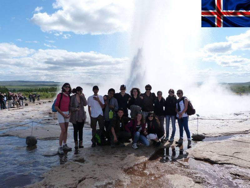 Groupe d'adolescents en colonie de vacances itinérante en Islande cet été