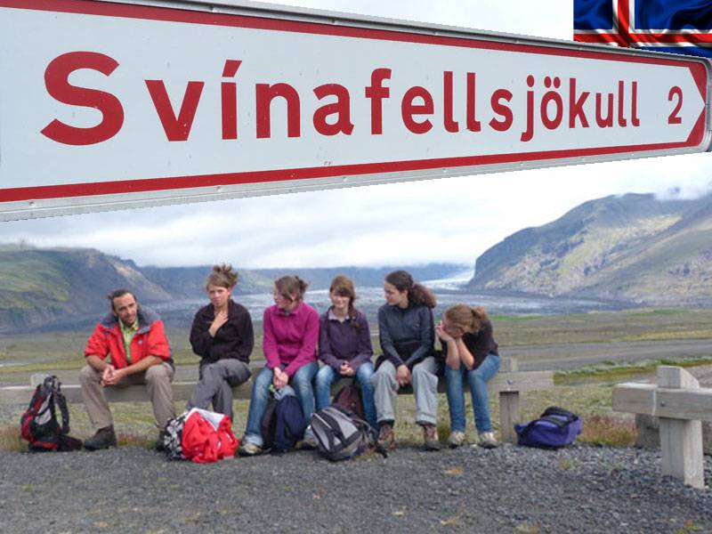 groupe d'ados en colonie de vacances cet été Islande