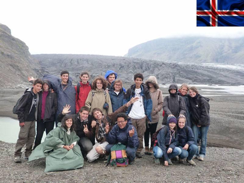 Groupe d'enfants en colonie de vacances itinérante en Islande cet été