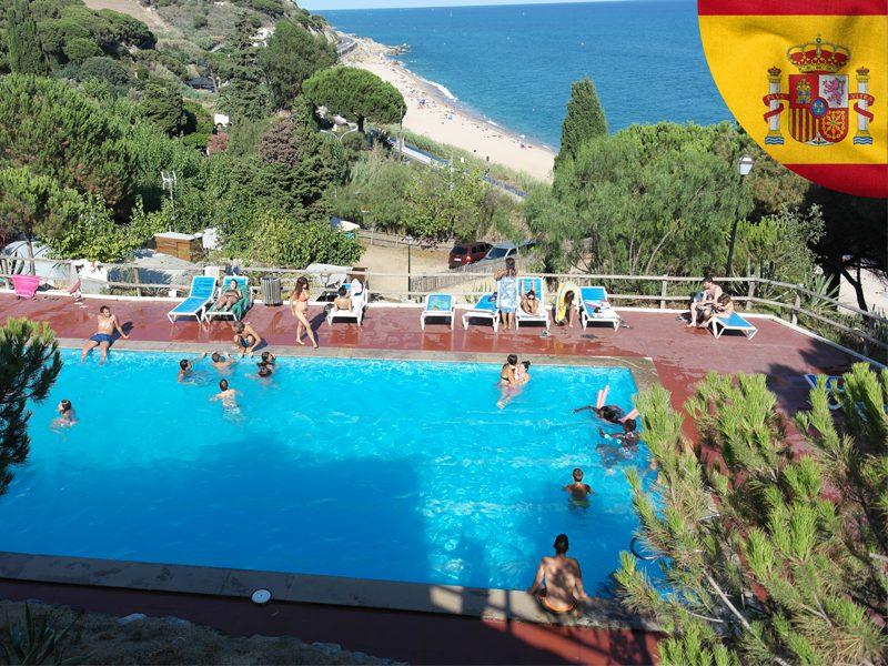 piscine en espagne sur le centre de colonie de vacances d'été