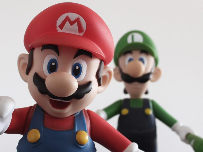 Figurines de Mario et Luigi jeux vidéos en colonie de vacances été