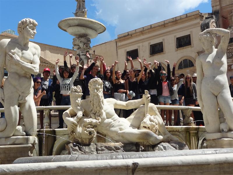 Adolescents en colonie de vacances en Italie cet été