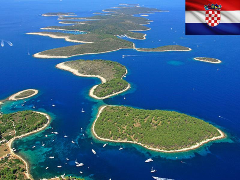 Vue sur l'archipel en Croatie au printemps