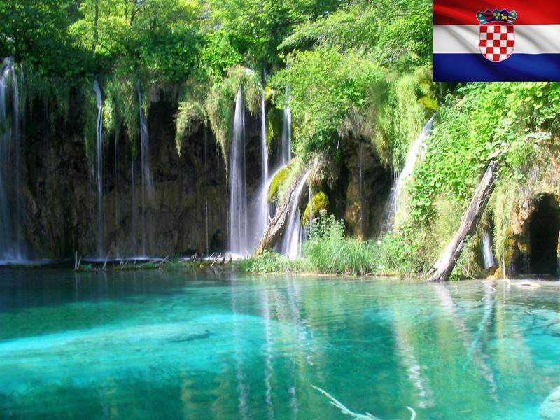 Rivière de Croatie vue durant une colo itinérante pour ados en Croatie