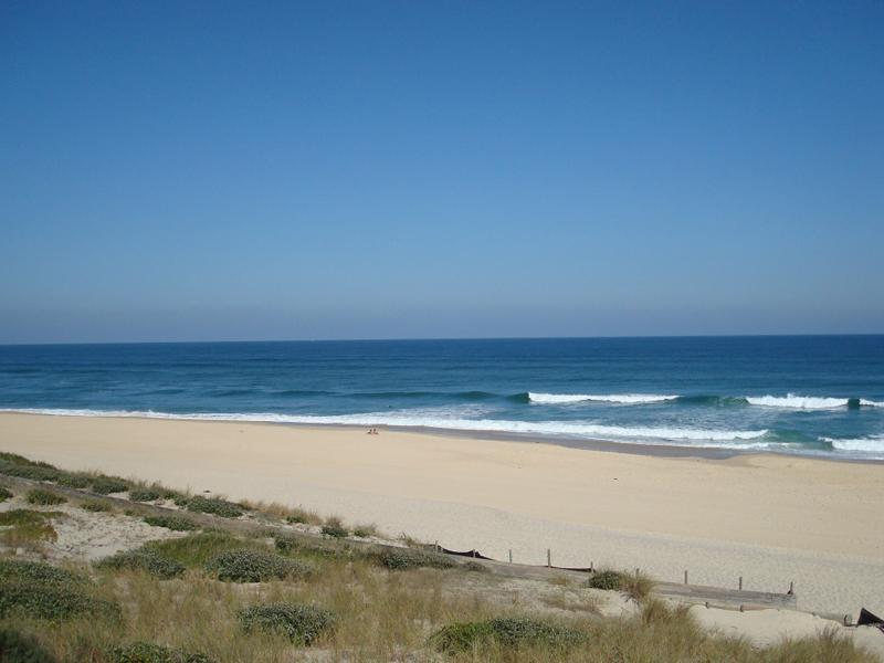 Vue sur la plage cet été en colonie de vacances