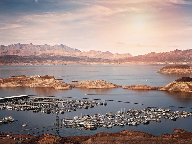 Paysage du Lake Mead en colonie de vacances en Californie