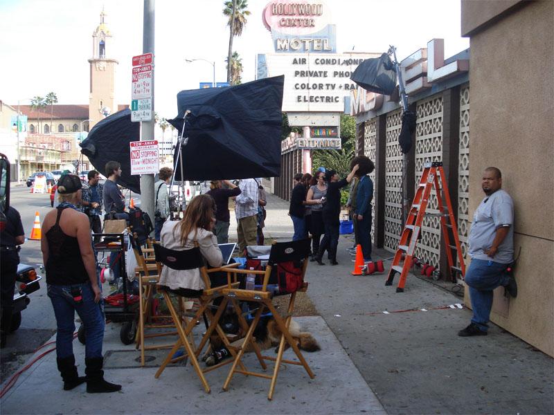 Adolescents visitant les studios d'Hollywood en colonie de vacances d'été