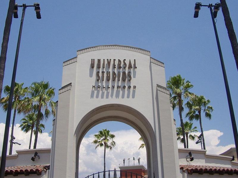 Batiment des studios paramount à Hollywood cet été en colonie de vacances pour ados