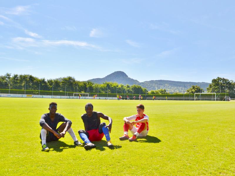 Ados en stage sportif de football cet été