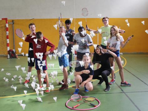 Stage sportif badminton été en Auvergne