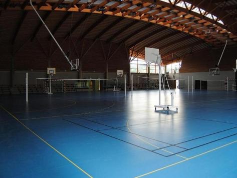 Stage de badminton été en Auvergne gymnase