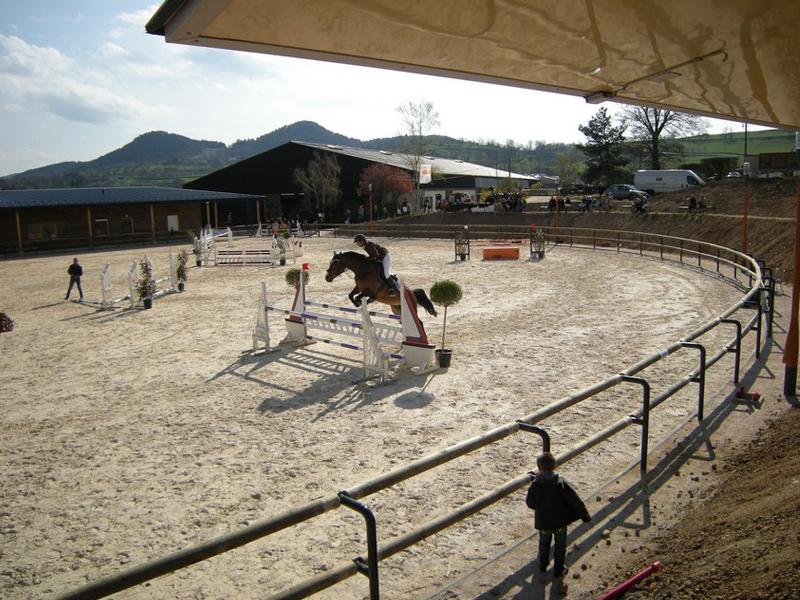 centre équestre pour le stage sportif d'équitation cet été