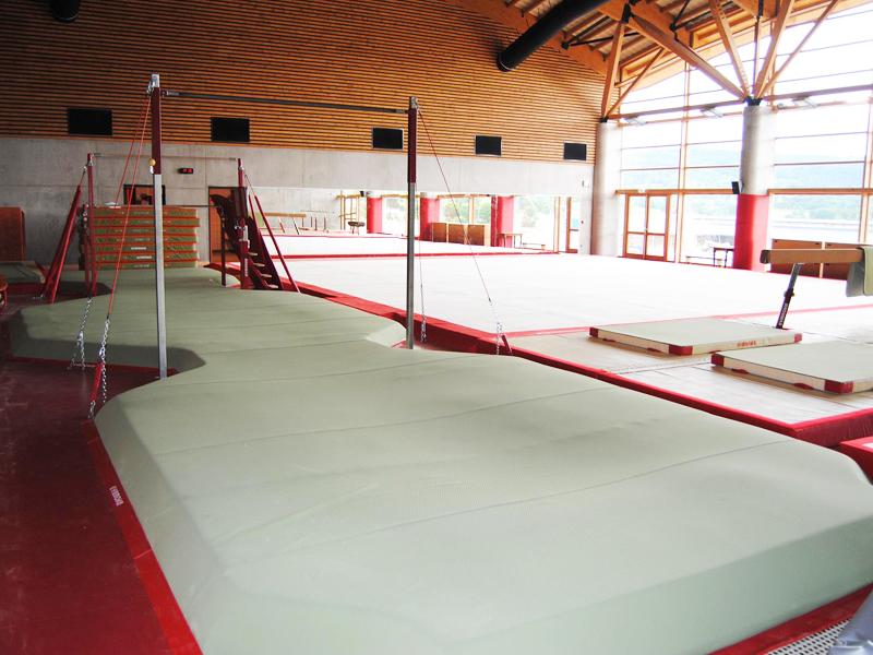 gymnase de stage sportif de gymnastique artistique