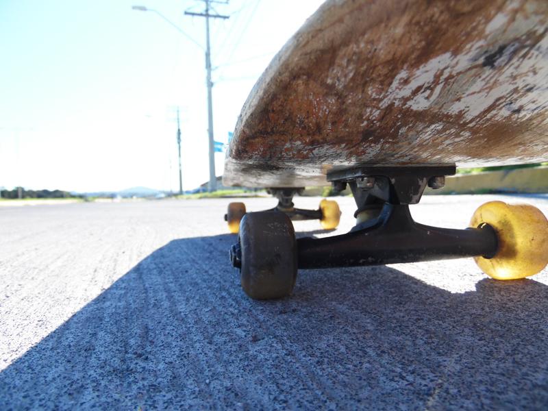 Planche de skateboard en colonie de vacances et stage sportif d'été
