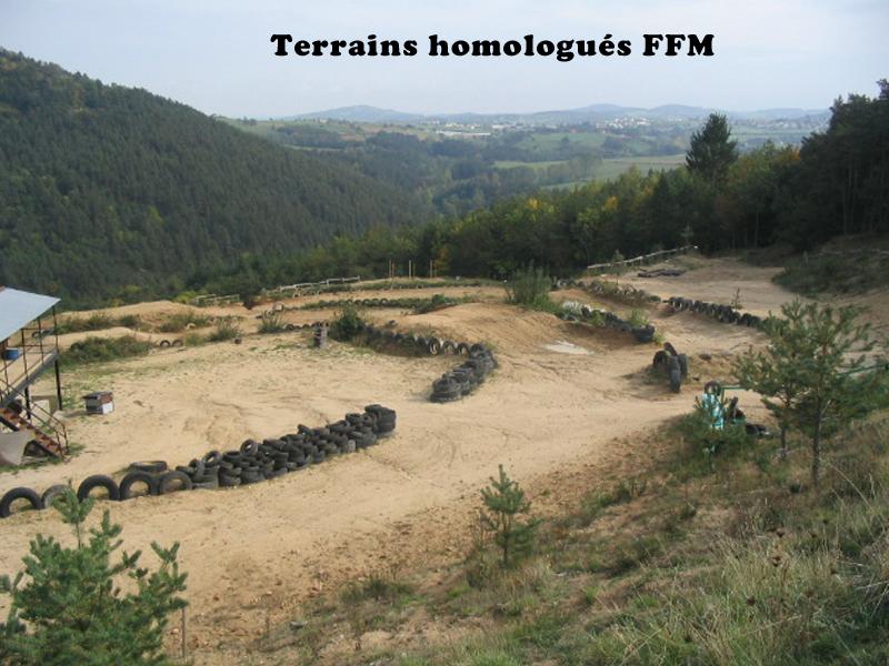 Terrain de motocross et quad stages sportifs enfants ados été en Auvergne