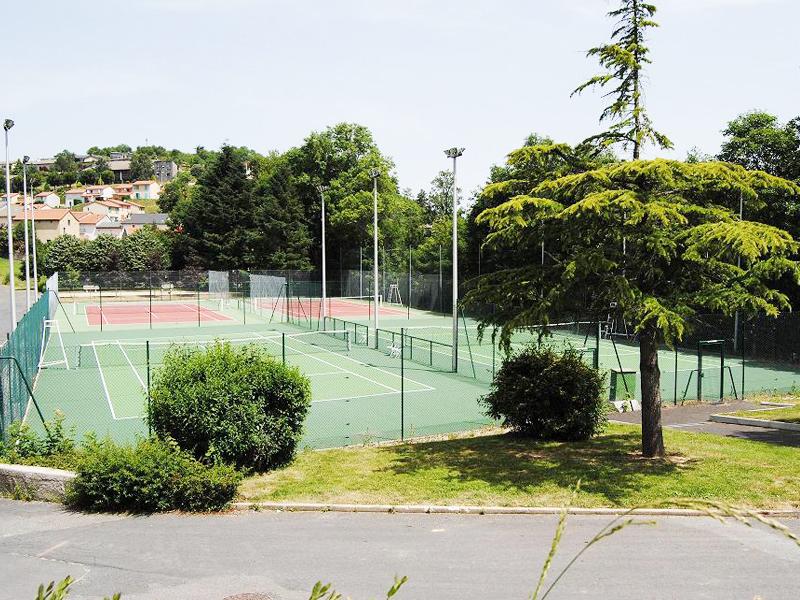 terrains sportifs de stages sportifs cet été