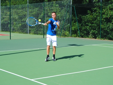 Stage sportif tennis enfants ados