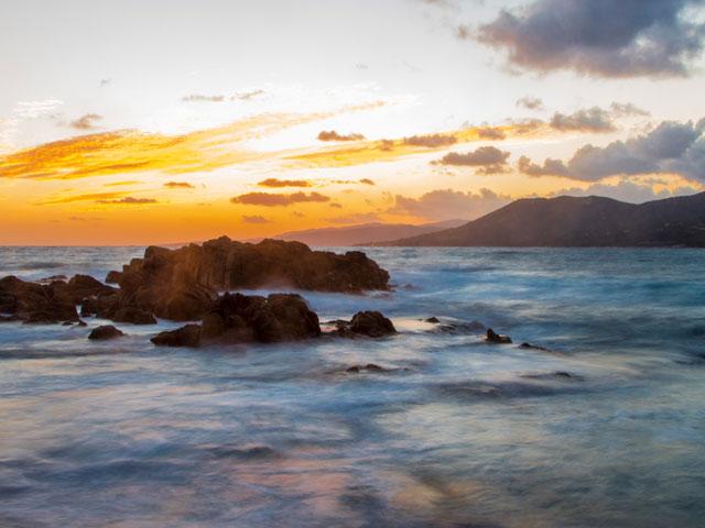 Vue sur la mer en Corse en colonie de vacances