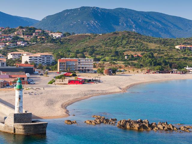 Vue sur les plages de corse en colonie de vacances en corse cet été
