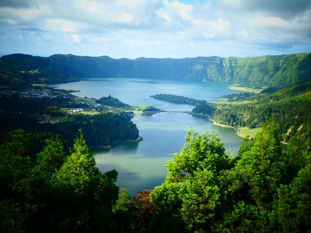 paysages des açores en colonie de vacances cet été pour ados