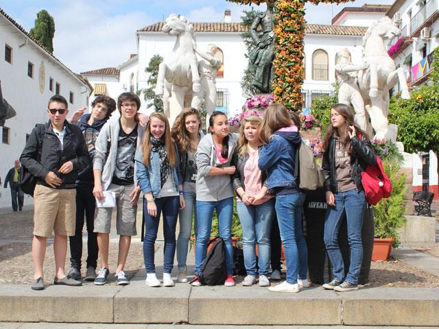 groupe de préados en colonie de vacances cet été en Espagne