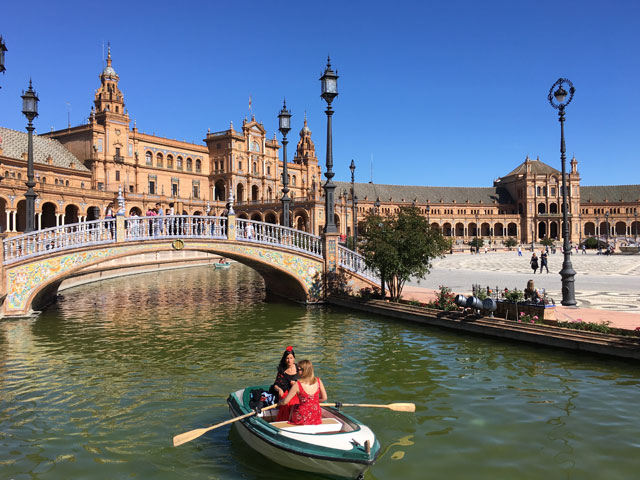 Plaza de Espana en colonie de vacances en espagne cet été