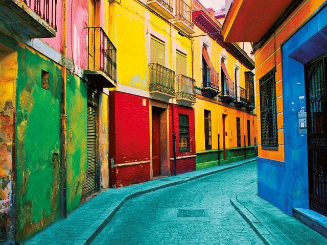 Rues colorées en colonie de vacances en Espagne cet été pour ados