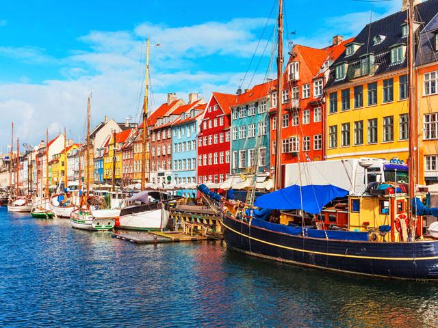 Paysage de colonie de vacances à l'étranger cet été en itinérance