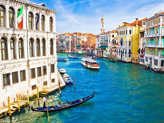 Paysage d'Italie en colonie de vacances sur mesure pour ados