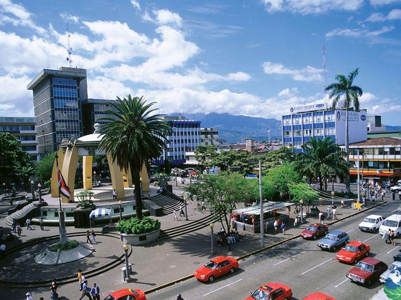 Centre ville du costa rica en colonie de vacances pour ados