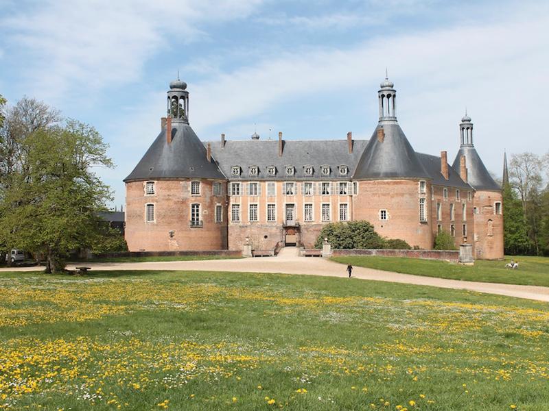 Chateau de saint fargeau pendant les colonie de vacances d'été