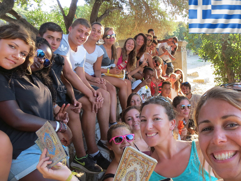 groupe d'ados en colo itinérante en Grèce cet été