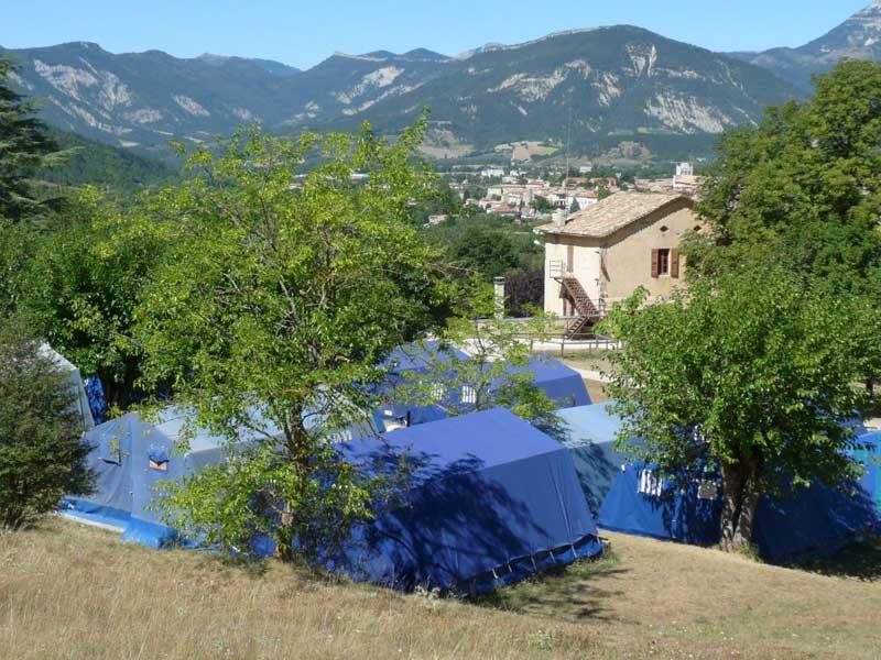Hébergement en tente de la colonie de vacances