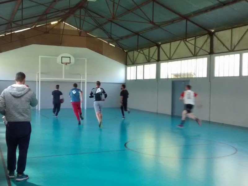 Activité basket durant la colonie de vacances en été