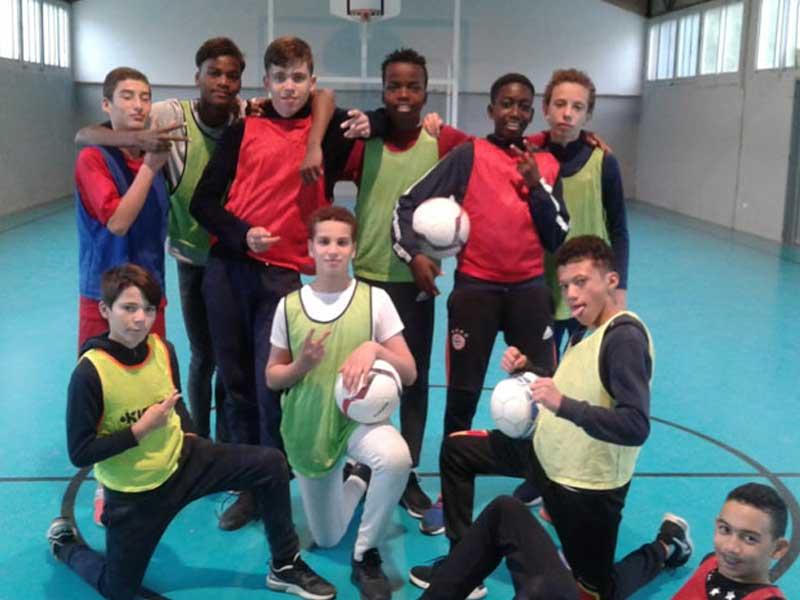 Photo d'une équipe de foot de la colo