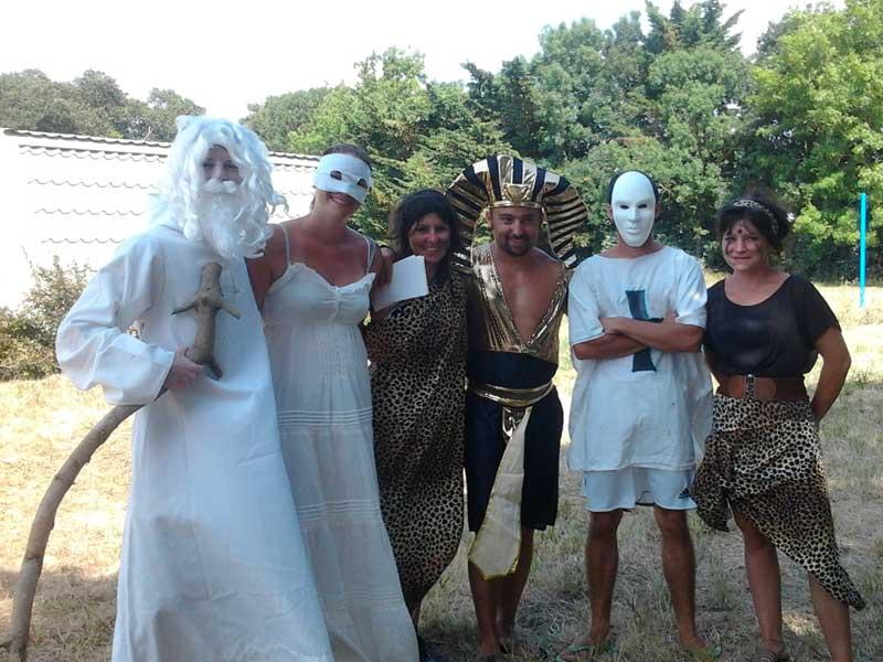 Enfants déguisés en colonie de vacances à Oléron