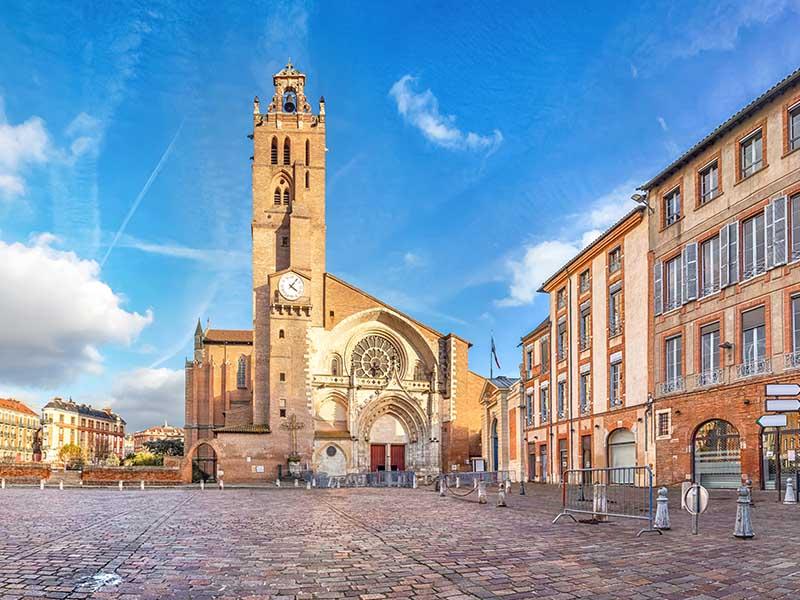 Cathédrale Saint-Etienne de Toulouse en été