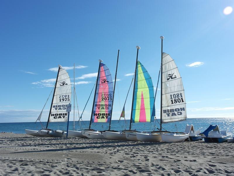 bateaux catamaran en colo cet été