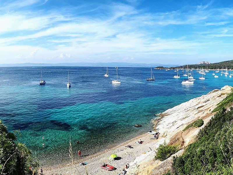 Plages de l'île de Porquerolles en été