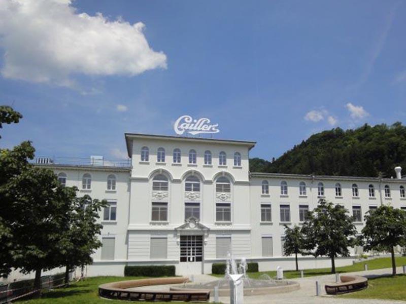 Visite de la chocolaterie Cailler en Suisse durant le stage linguistique d'été