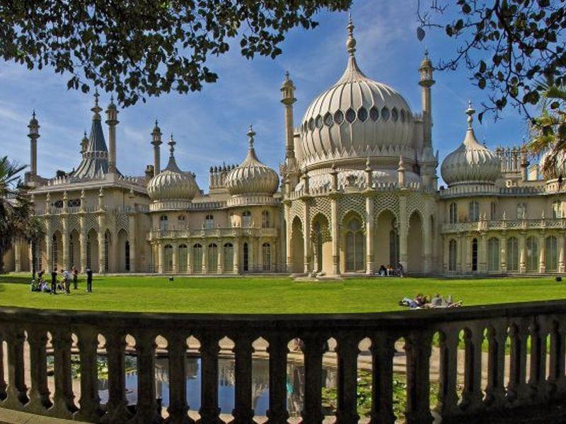 Le Royal Pavilion et ses jardins en été